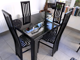 Dinning room table plus 6 chairs