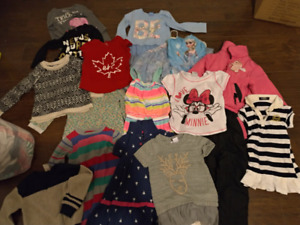 Kids clothing. Selling each lot.