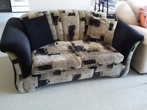 Couch and loveseat set with matching pillows black/brown fabric London Ontario image 4