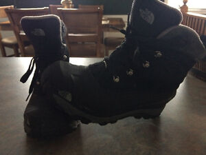 Mens northface winter boots 8