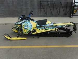 2016 Ski-Doo Summit X with T3 Package Rotax 800R E-TEC