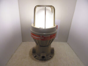 New Hubbell Industrial Light for Hazardous Location 120V 26W