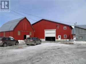 662 Acre farm with 300 acres cleared & a house! Approx 100 cows!