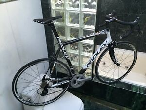 NEW (SIZE 58cm) RIDLEY HELIUM CARBON ROAD BIKE - 105 / ULTEGRA