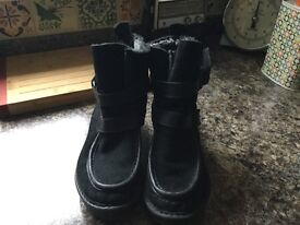 Fly London Boots Size 5 Black, hardly worn, excellent condition