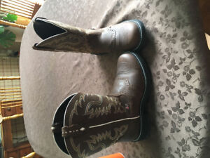 Women's Justin Cowboy Boots - Size 10