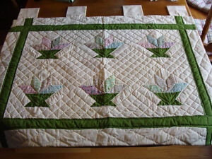 HAND-QUILTED WALL HANGING WINDOW COVER CURTAIN London Ontario image 2