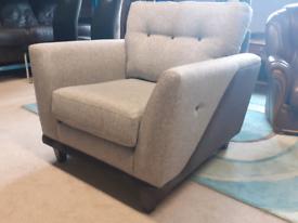 🤩🤩Brand New Ex-Display Grey Fabric Chair 🤩🤩