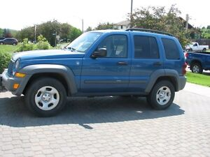 2005 Jeep Liberty V6 SUV, Crossover