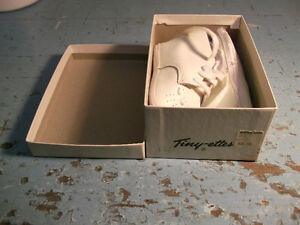 2 pairs of 1960s vintage leather baby shoes in original boxes!