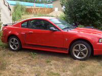 2003 Ford Mustang Black Coupe (2 door)