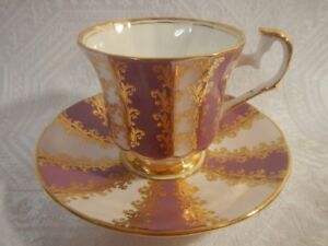 Elizabethan tea cup and saucer fine bone china England from 40's