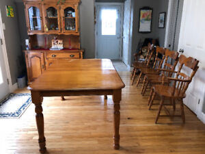 Solid maple dining table with hutch
