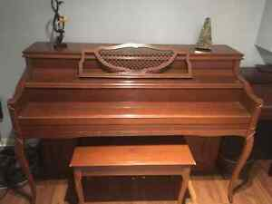 Apartment sized Mason & Risch Piano (includes delivery) Kitchener / Waterloo Kitchener Area image 3