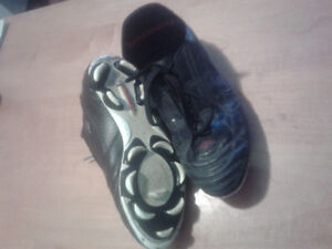 Soccer Cleats, size 8m