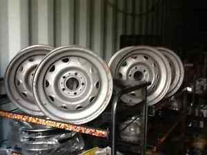 Cuda challenger 15x7rally wheels