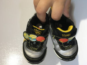 Winnie the Pooh shoes, baby size 3