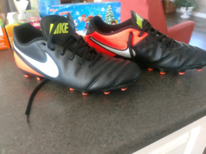 Mens Nike Cleats Size 8