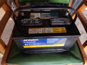 Ford/Lincoln Truck Battery For Sale