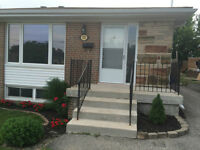 NEWMARKET 3 Bedroom Newly Renovated (Upper Level)