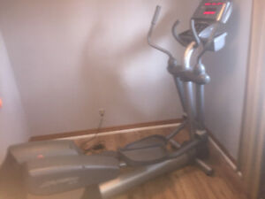 Life Fitness x9i - Commercial Duty Elliptical Trainer