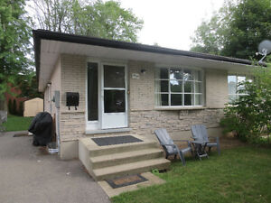 3 Bedroom Apartment in Waterloo Kitchener / Waterloo Kitchener Area image 1