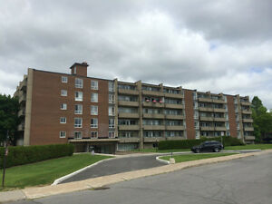 VSL - 1 BEDROOM FACING PARK -- 514-856-0038