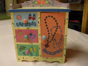 Girl's jewelry box new