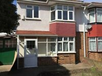 3 bedroom house in Hounslow Road, FELTHAM, TW14