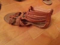 Plusieurs chaussures grandeur 7 a prix débarras