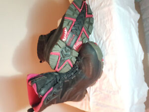 Columbia winter boots size 9 women's