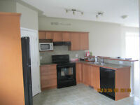 3 BEDROOM TOWNHOUSE IS AIRDRIE