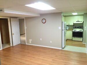 Large, well-lit apartment Oakville / Halton Region Toronto (GTA) image 4