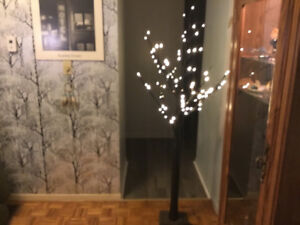 6 Foot New Twig Tree - 96 lights