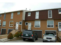 3 BEDROOM TOWNHOME LOCATED IN HAMILTON MOUNTAIN!