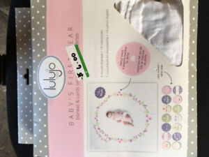 Baby's monthly card and blanket set