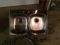DELTA kitchen faucet and double sink