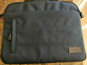"Targus Laptop (or Tablet) Bag (11""-13"")"