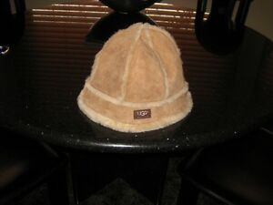UGGS BUCKET HAT WALNUT COLOR-ONE SIZE West Island Greater Montréal image 3
