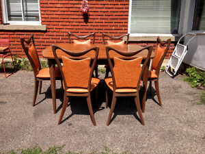 Salle a Manger Mid Century Noyer Impeccable 6 Chaises
