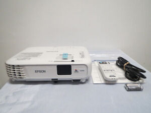 New Epson home theater HD 3LCD projector 3000 lumens HDMI 10000H