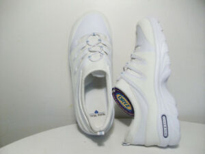 NEW RUNNiNG SHOES ORiGiNAL NURSE MATES LEATHER Size 8-12