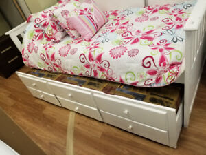 Ashley Furniture Lulu trundle bed