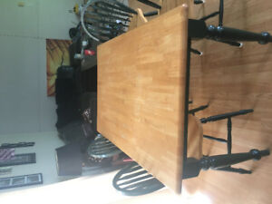 Dinning room table and 4 chairs.