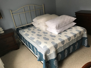 Bedroom set Queen bed Dresser Nightstand and Desk