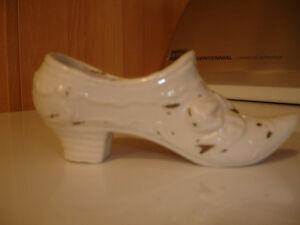 FOR SALE Vintage glass shoes, collectible shoes Kitchener / Waterloo Kitchener Area image 4
