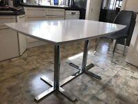 Table 90cm x 140cm
