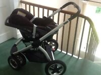 MAXI COSI PEBBLE CAR SEAT AND MURA TRAVEL SYSTEM
