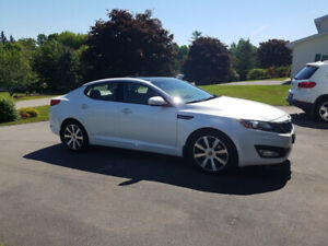 2012 Kia Optima luxury model