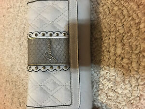 Guess Wallets!